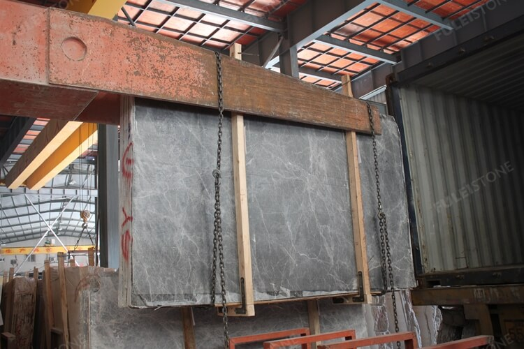 The Loading of Stone Slabs