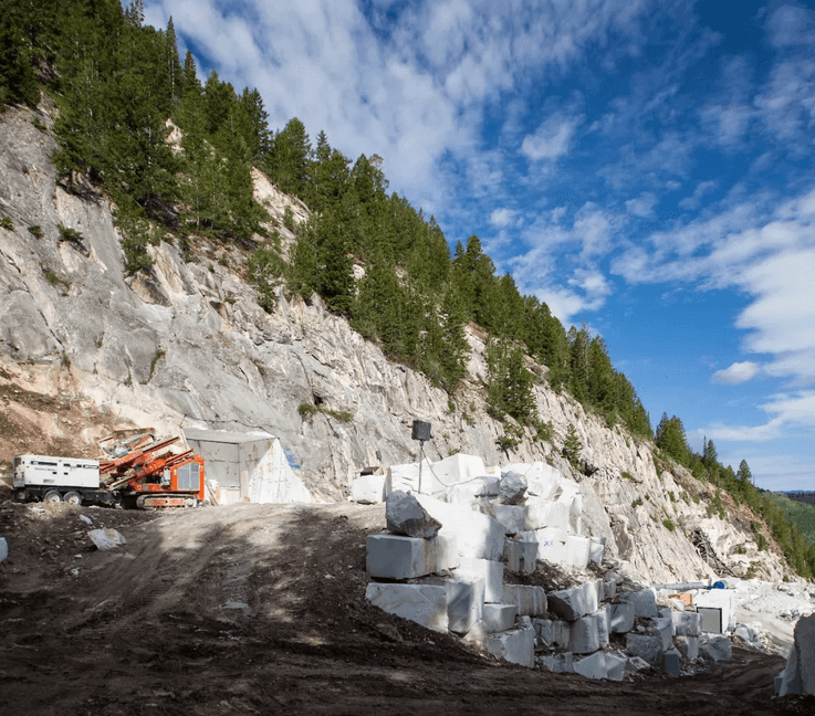Calacatta Lincoln Marble Quarry in United States