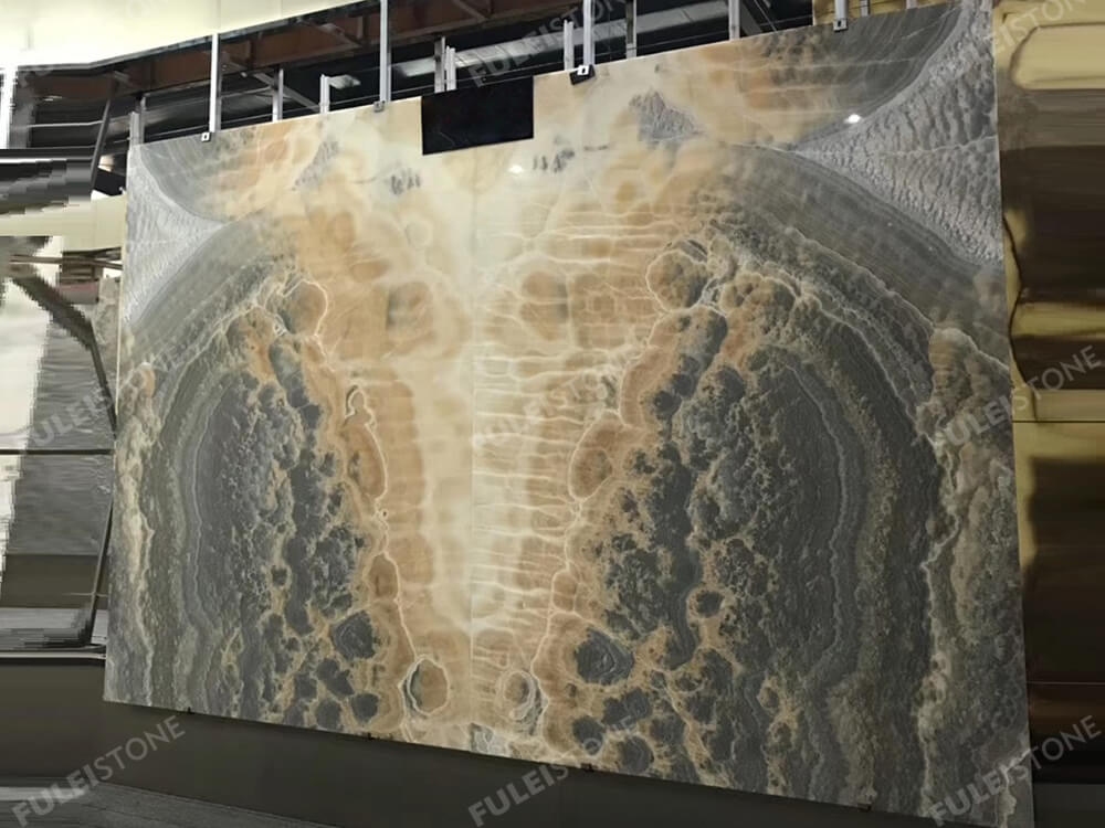 Bookmatch Polished Cappuccino Onyx Slab