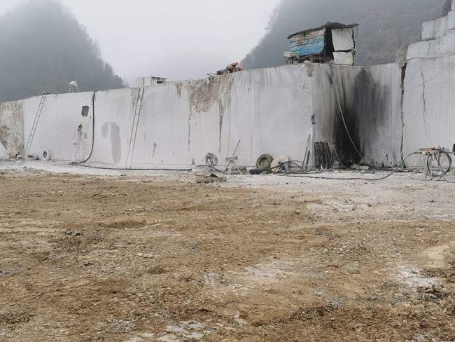 Platform of China grey marble Mine