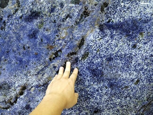 close up of blue bahia granite (2)