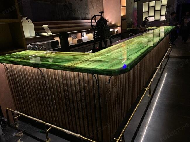 Emerald Quartzite Bar Top (2)